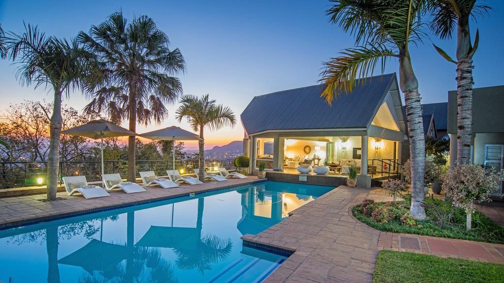 Loeries Call Guesthouse Zwembad